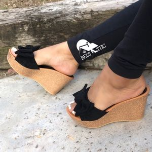 Vegan suede Bow Wedge Sandals